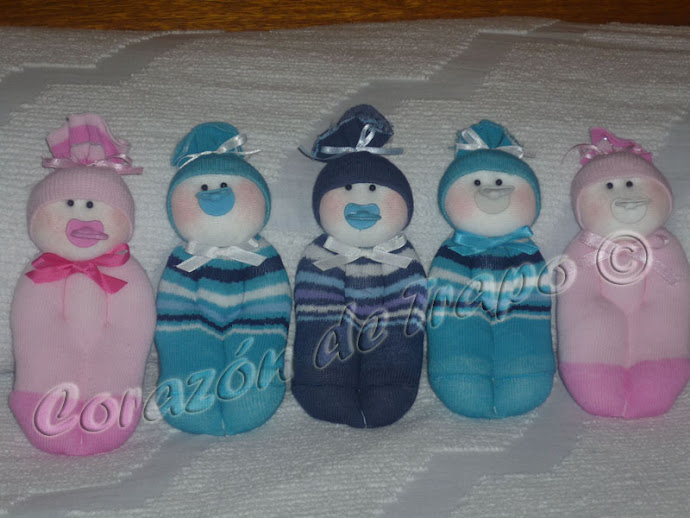 Souvenirs bebés multicolores