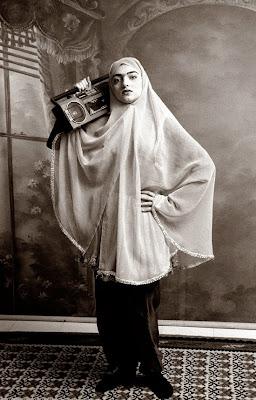Qajar - Shadi Ghadirian