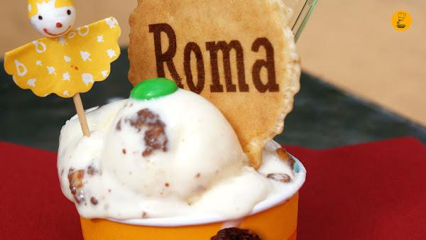 Tarrina pequeña en heladería Roma Moratlaz