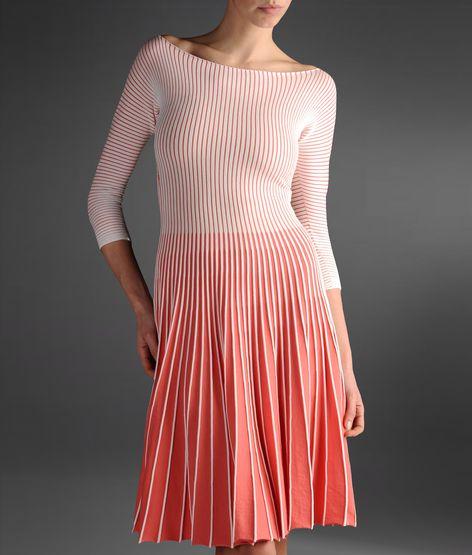 pileli pembe elbise kısa