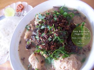 Sup_saudara_Vegetarian_dengan_nasi_jeruk_nipis_sambal