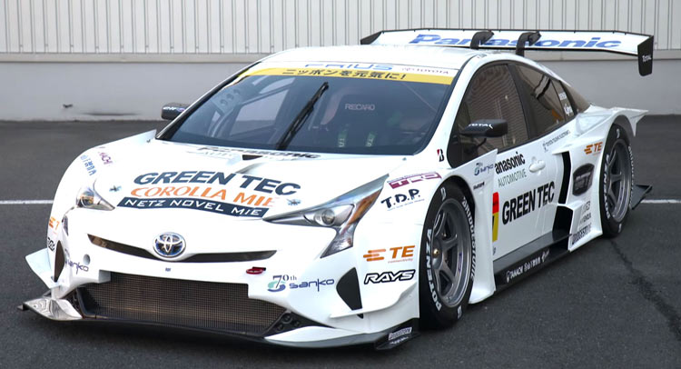 http://4.bp.blogspot.com/-pMMDt1mOAVU/VpzAo7TVBuI/AAAAAAAAHrc/bv3vjkl91P8/s1600/2016-toyota-prius-gt300-racecar-debuts-in-tokyo-as-otherworldly-as-expected-video-photo-gallery_3c.jpg