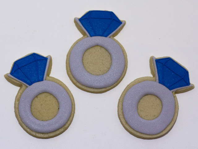 Sapphire ring cookies