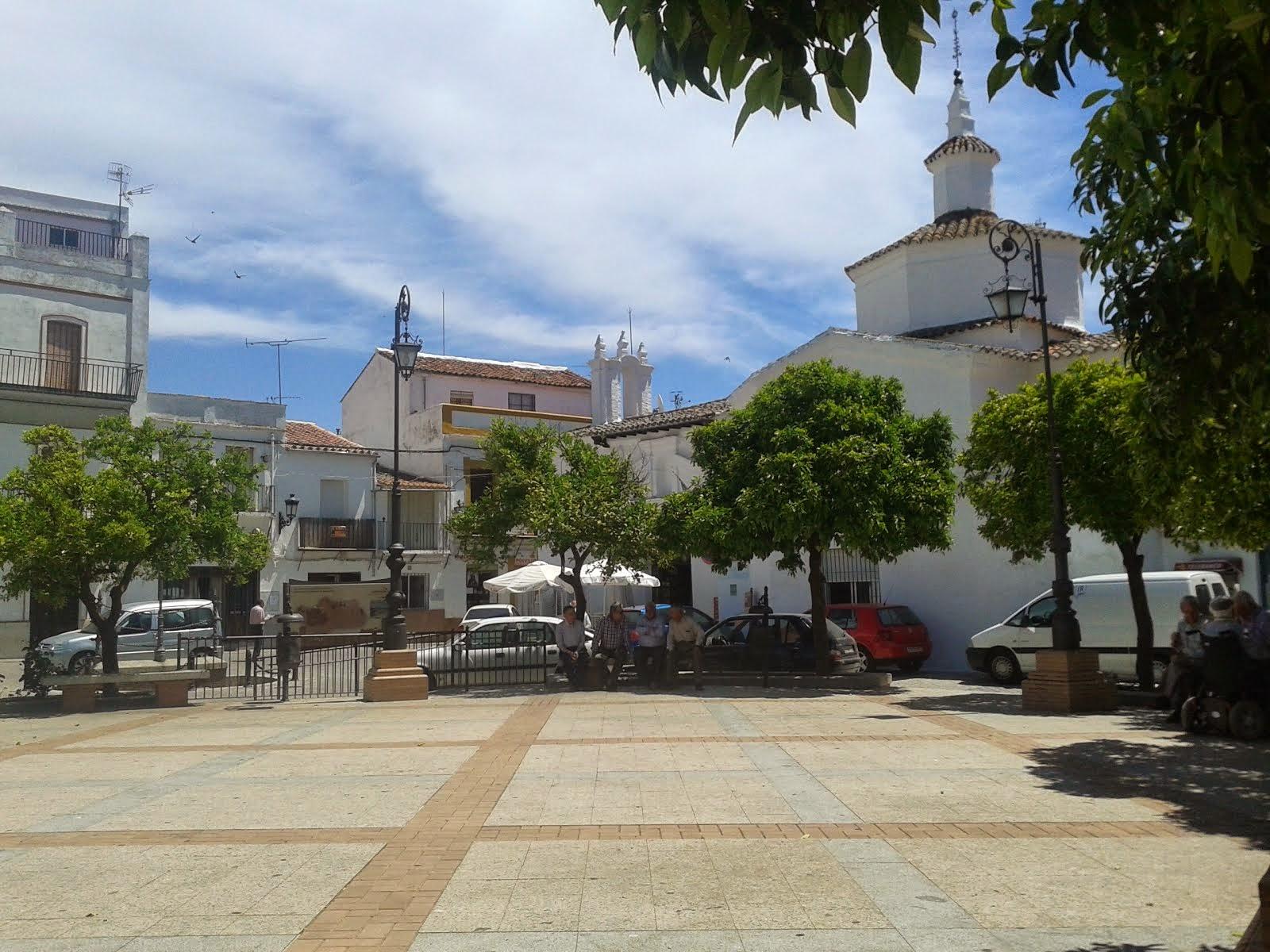 Plaza España, al fondo Iglesia de San Vicente
