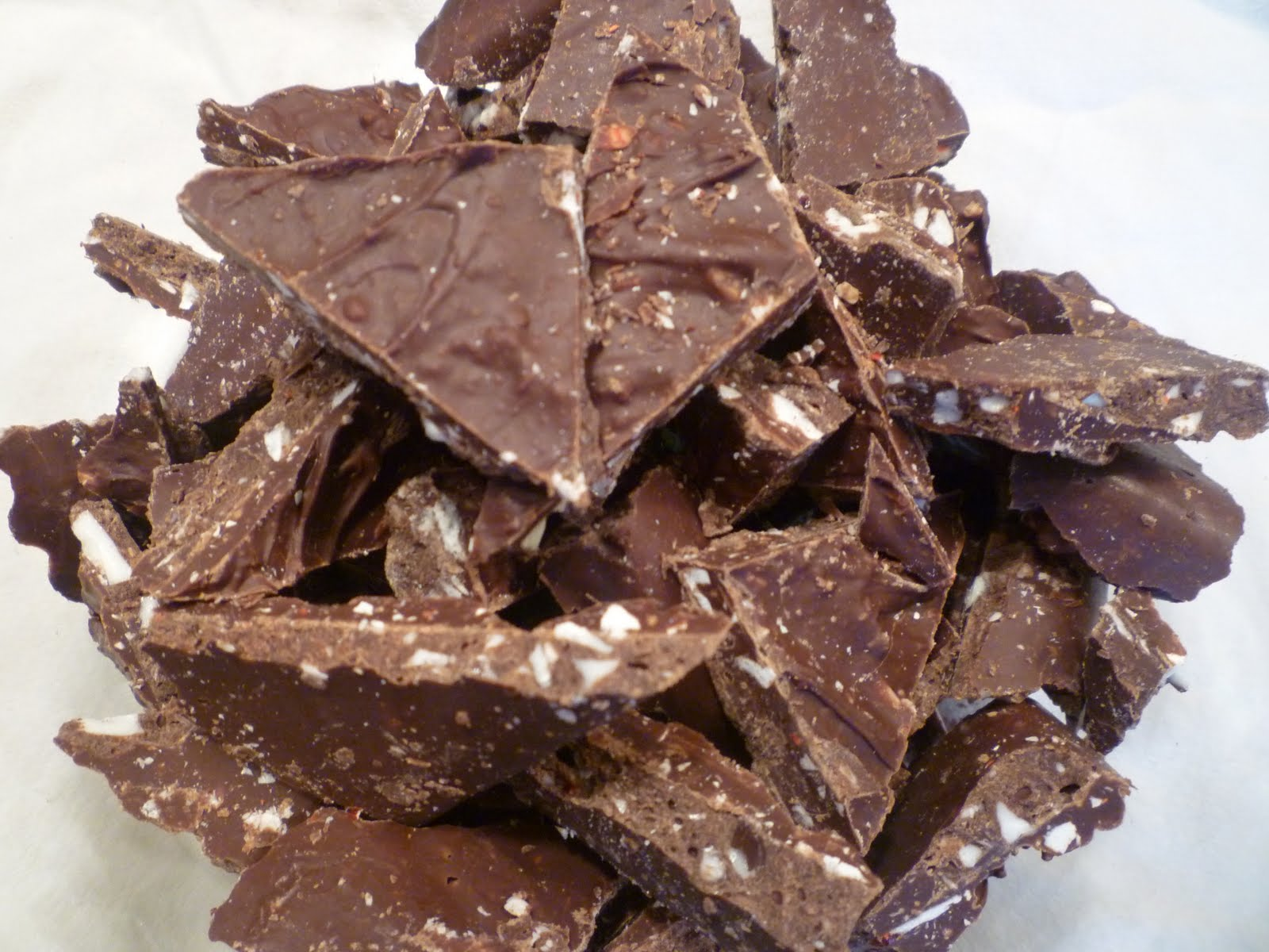Easy Chocolate Peppermint Bark and A Jewish Holiday Tree? Why Not ...