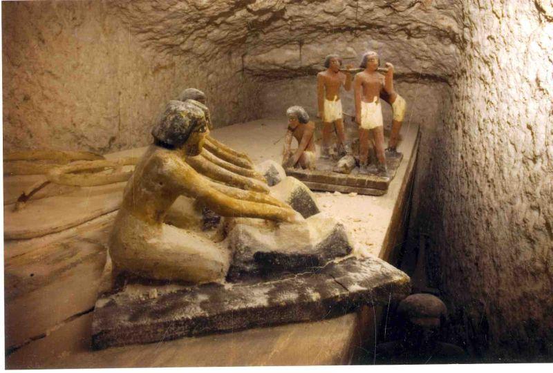 гробница с лодками