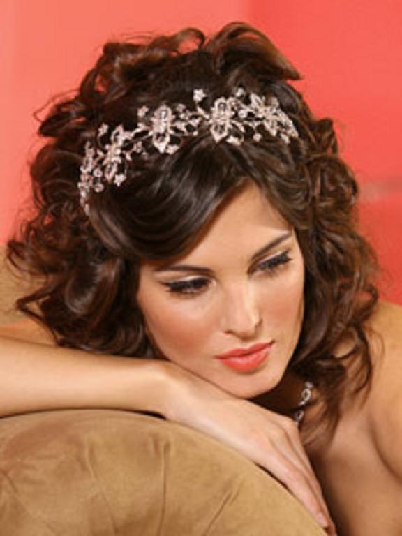 Cortes de pelo rizado para bodas 2013 peinados cortes de - Cortes de pelo nina rizado ...
