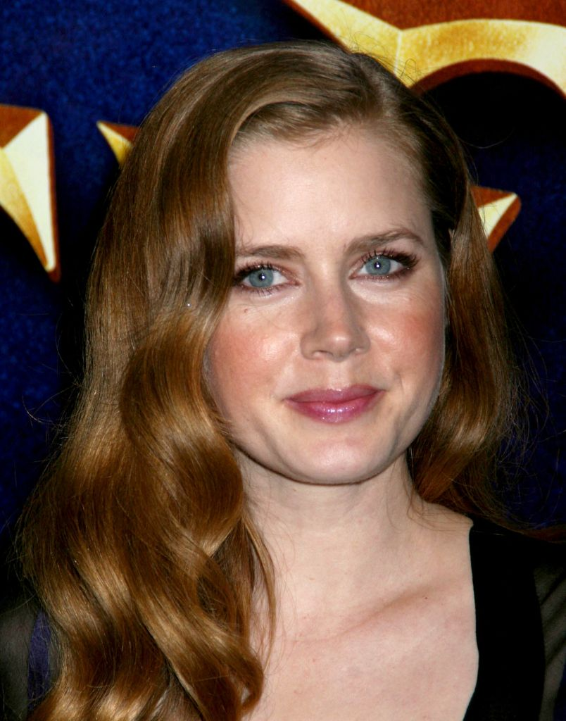 Makeup for Leo Women Amy Adams shiny mane-3
