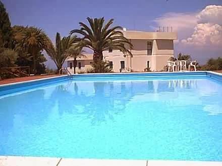 Sonhar com piscina grande s simpatias for Ver piscinas grandes