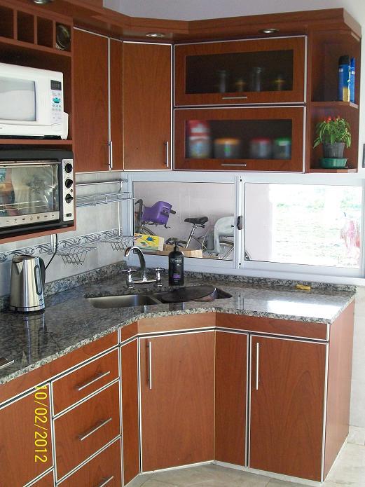 mobilack cocina en laminado con tapacantos de aluminio
