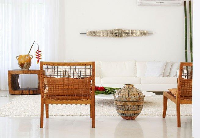 #474327 blog de decoração Arquitrecos Composição versátil  655x453 píxeis em Cadeira Moderna Madeira Para Sala Estar