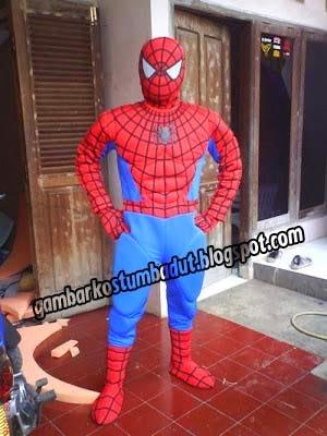 spiderman tampil gagah