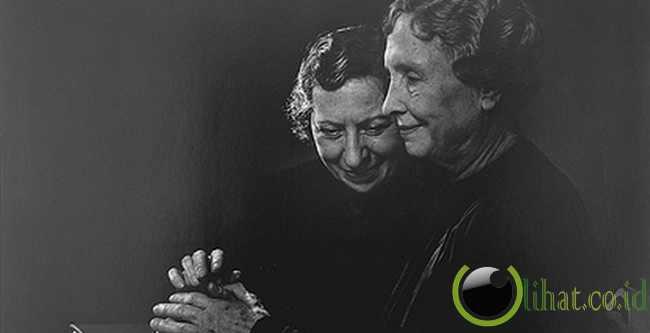 Helen Keller - Kekurangan: Buta dan Tuli
