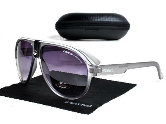 5da4f0cf96aa9 Tatushka Store  Óculos de sol Carrera cinza com lista branca massa ...