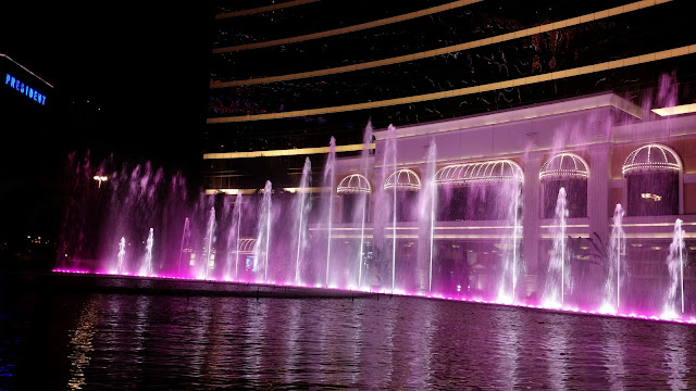 Performance Lake at the Wynn Hotel