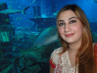 Urooj Mohmand Pictures With Farzana Naz in Dubai Mall,Urooj Mohmand