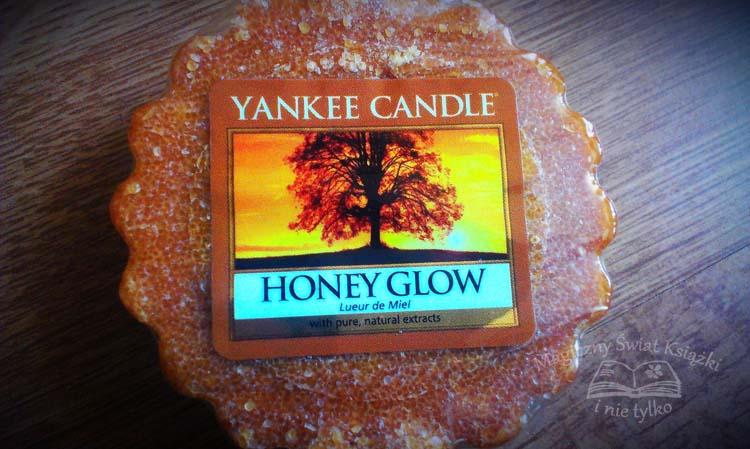 http://magicznyswiatksiazki.pl/honey-glow-od-yankee-candle/