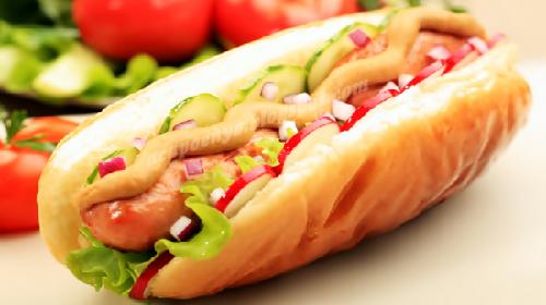Hot Dog Pemicu Kanker