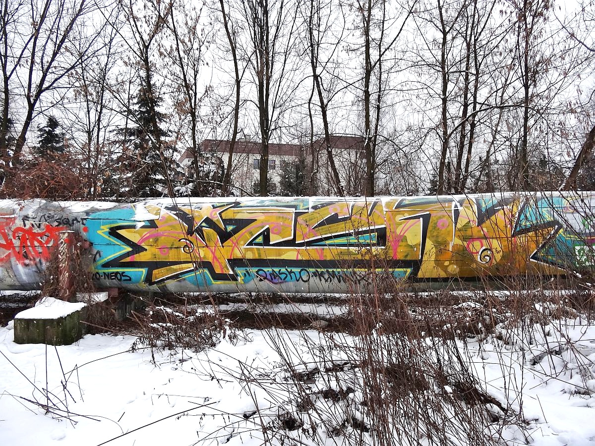 Pipeline graffiti