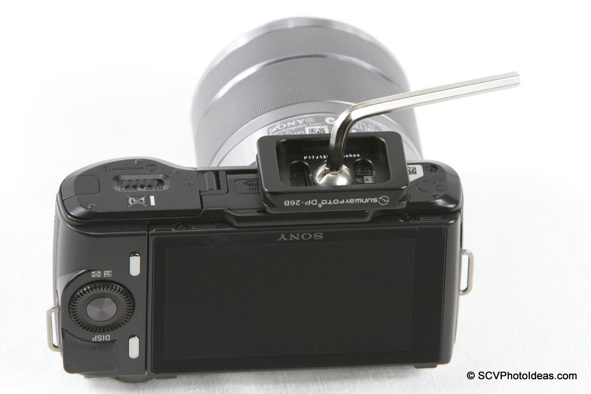 Sony NEX-C3 + Sunwayfoto DP-26 QR plate
