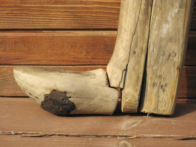 Деревянные пазлы и игрушки: Колодки для валенок 1. Старинные колодки - как это сделано