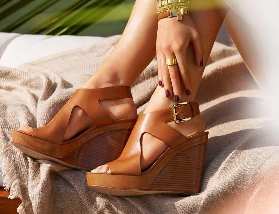 موديلات أحذية ميكل كورس ، صور احذيه مايكل كورس