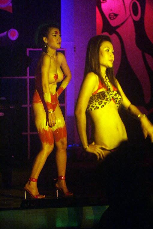 Sexy Thai Show Girls (8)