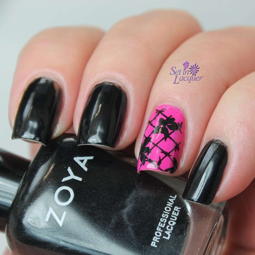 NOTD: Stamped accent nail - Set in Lacquer