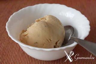 helado de miel de palma y nueces