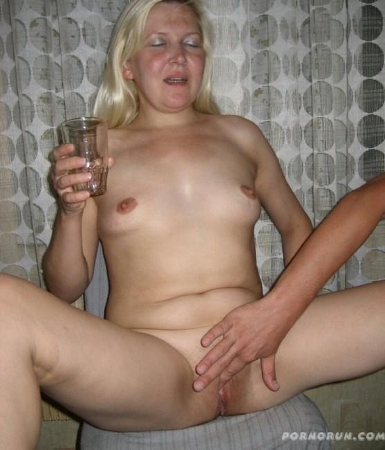 Фото ебли русских пьяных жен