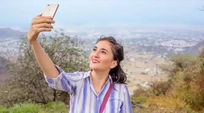 Ψυχική ασθένεια η εμμονή με τις selfies σύμφωνα με επιστήμονες – Ποια σημάδια δείχνουν ότι κάποιος νοσεί