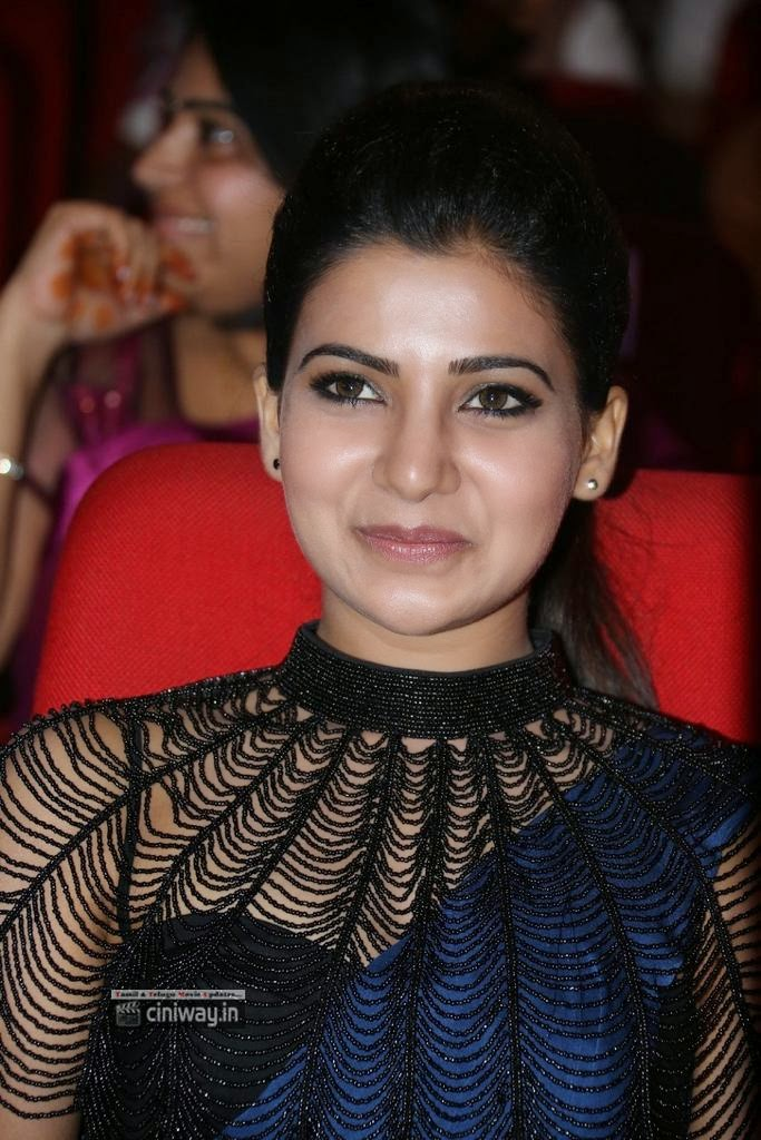 Samantha-at-Rabhasa-Audio-Launch