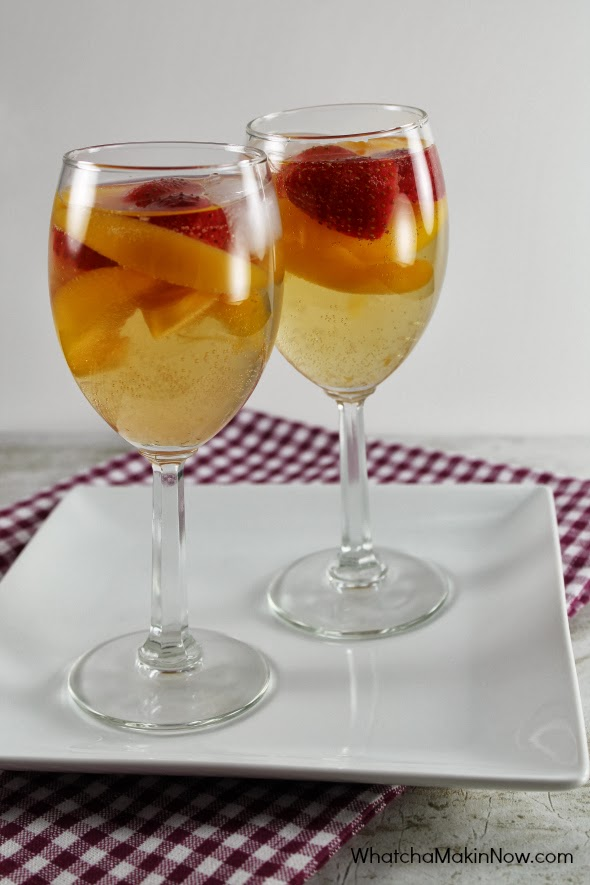 Peach White Wine Sangria - Perfect for your news years party!