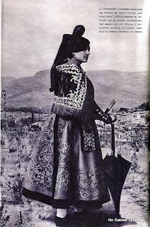Candelariacon el traje de paseo año de 1929