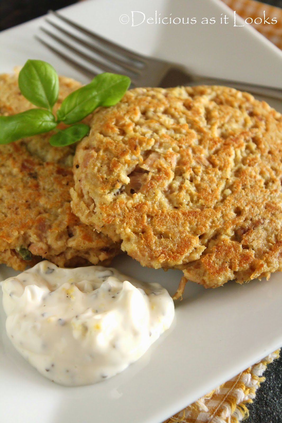 Low-FODMAP Recipe Roundup: Friday Fish Fry {Quinoa Tuna Patties with Lemon Basil Mayo}  /  Delicious as it Looks