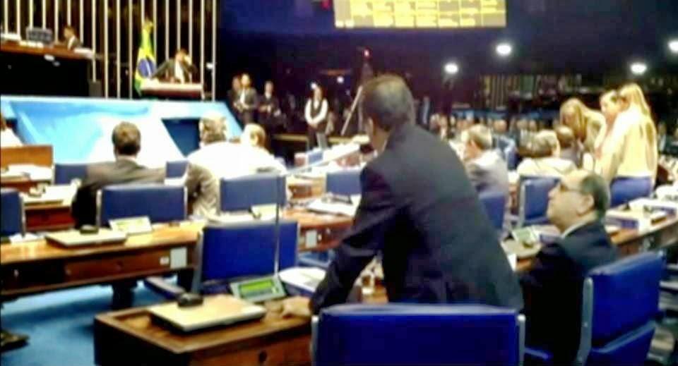 Congresso Nacional adia análise do veto de Dilma à criação de municípios.