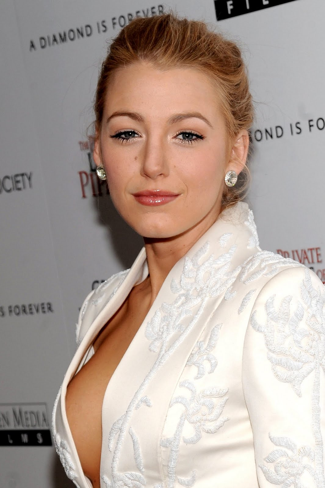 Blake Lively Hot Featured Pictures Celebrity Blake Lively