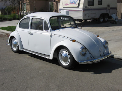 hacer el amor en un Volkswagen-Beetle