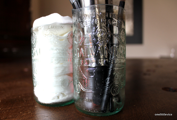 how to turn empty glass bottles into reusable glasses