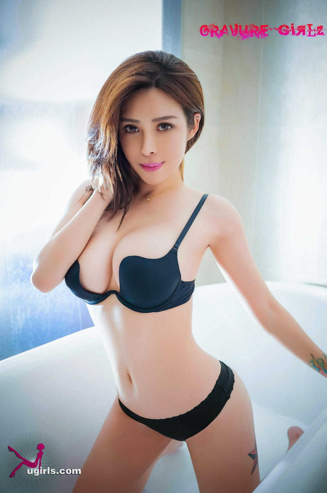 A cute chinese girl fucks in hotel 2