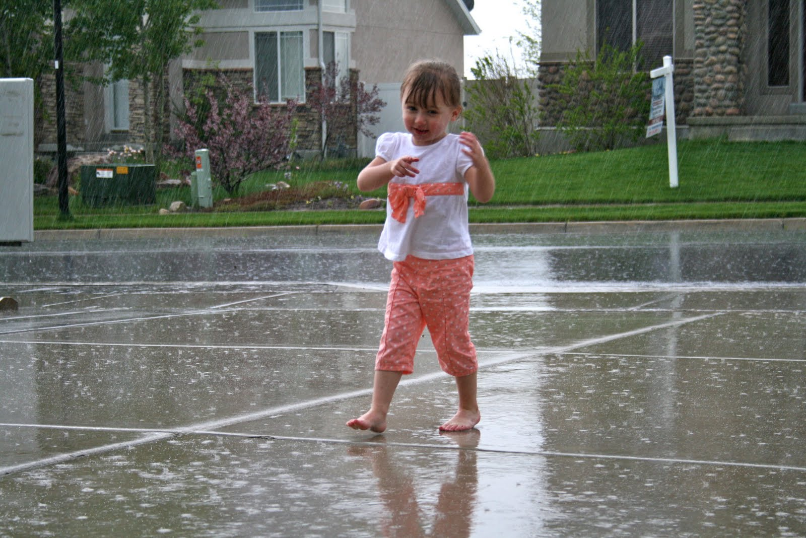 Kids Dancing In The Rain Photography I never took dance classesKids Dancing In The Rain Photography