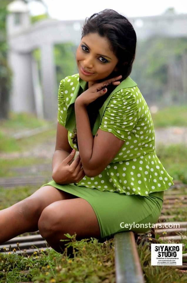 lakshika jayawardhana green legs