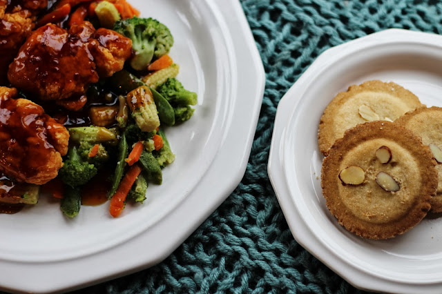 Orange Chicken Stir-Fry Dinner with Almond Cookies #MixNMatchMeals #shop #YUM