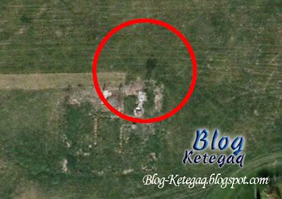 Imej Google dari sebuah kampung yang telah dimusnahkan pada tahun 1946 menunjukkan kelibat misteri hantu seorang lelaki sedang berlegar di sebuah rumah ladang yang telah lama terbiar.