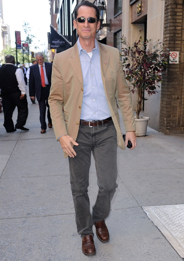celebrity heights how tall are celebrities heights of celebrities how tall is anthony weiner. Black Bedroom Furniture Sets. Home Design Ideas