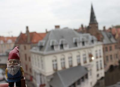 travelling gnome - tipsyterrier.blogspot.com
