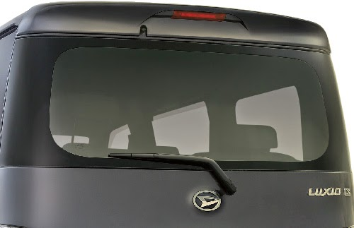 Daihatsu Luxio Belakang