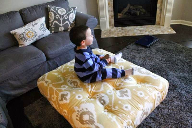 Mueblesdepalets.net: Una otomana hecha con un palet