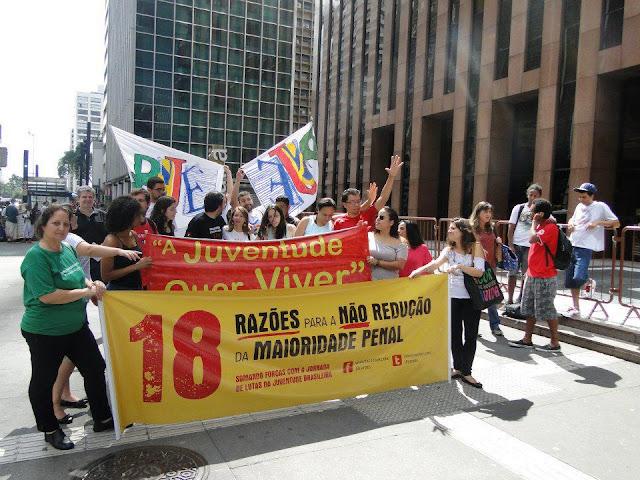 PJ Estudantil de São Paulo realizou uma manifestação na Av. Paulista contra a redução da maioridade penal.