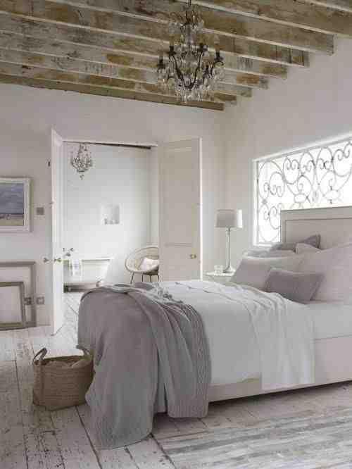 Biała podłoga z desek vintage, rustykalne wnętrze